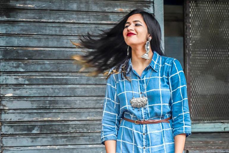 How-to-wear-checks-this-summer-aishwarya-iyengar feature