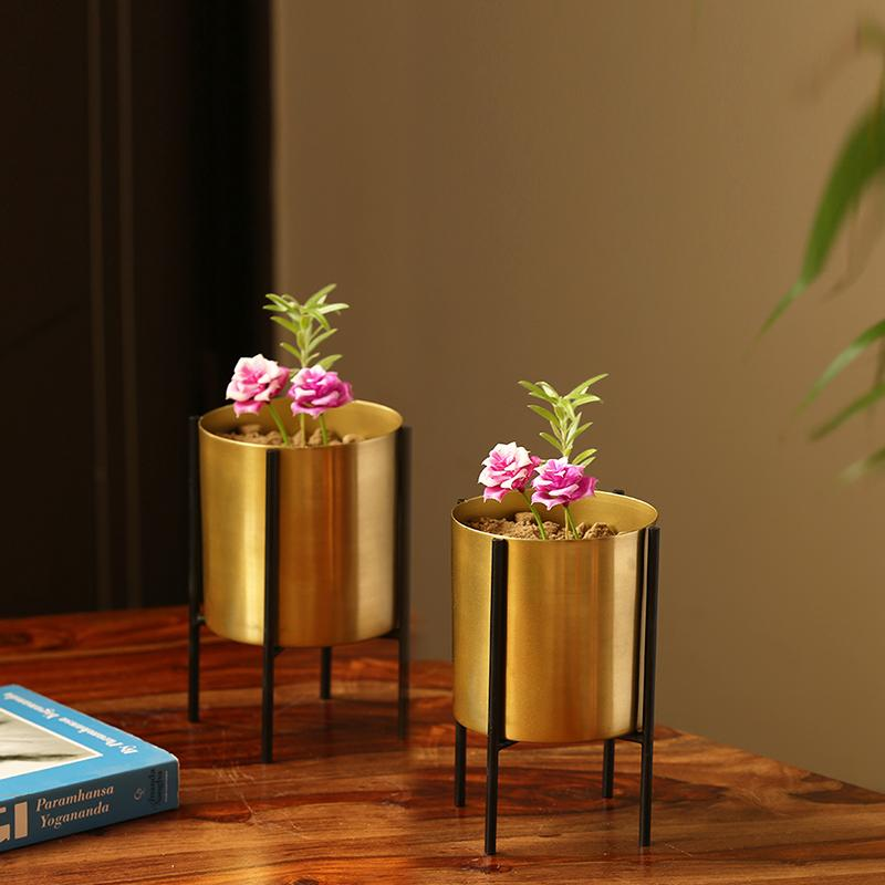 cylindrical-copper-planter-pots